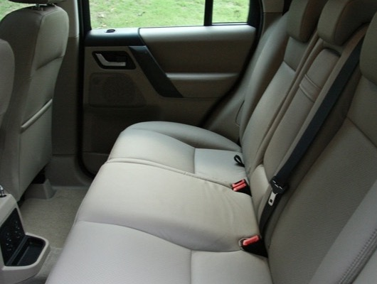 Rear Seats image
