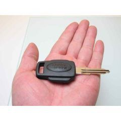CWE500390 - Defender Blank Key - Fits from 2002 Onwards