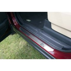 EBN500041 - Genuine Style Sill Protectors In Stainless Steel For Discovery 3 & 4