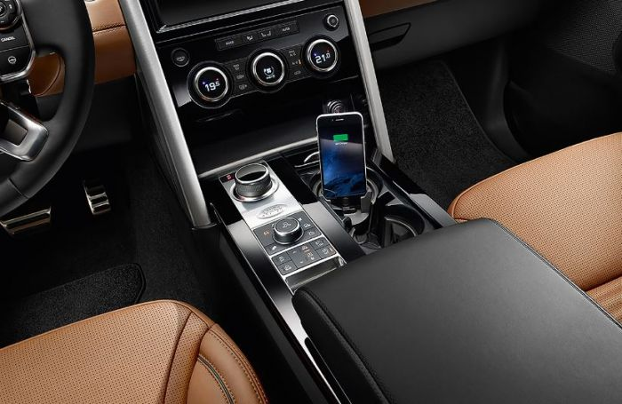 VPLRV0119 - iPhone Connect and Charge Docking Station - Genuine Land Rover  - For Discovery 5